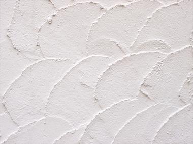 独特の風合いだけではありません。漆喰の壁のメリットとは?